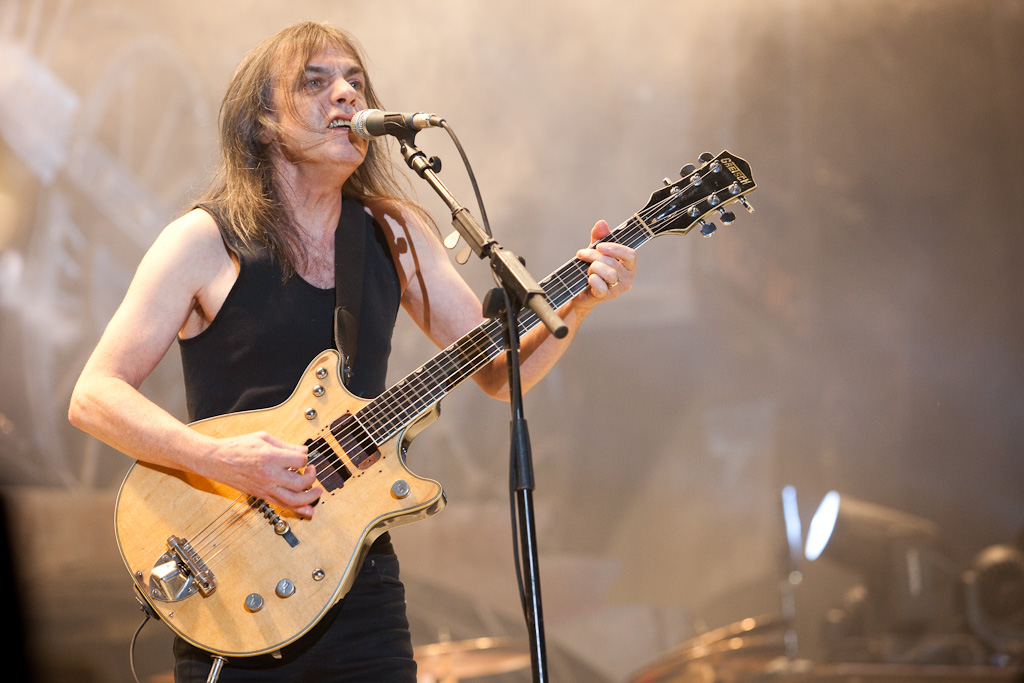 MALCOLM YOUNG TAKING BREAK FROM AC/DC DUE TO 'ILL HEALTH'