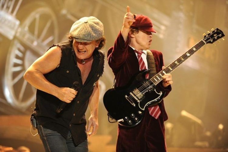 Brian Johnson Angus Young